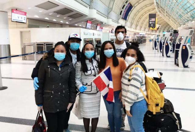 Embajada Dominicana en Canadá repatría 28 dominicanos varados