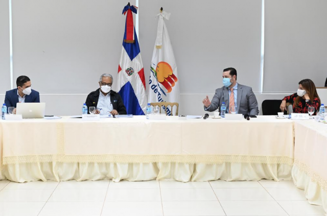 Ministerios Turismo, Salud y ASONAHORES finalizan protocolos de salubridad para reiniciar operaciones el uno de julio