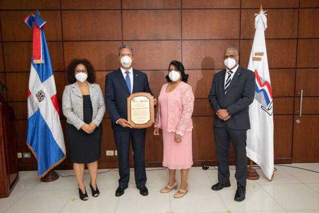 Ministerio de Trabajo reconoce al Popular por su plan de seguridad y salud
