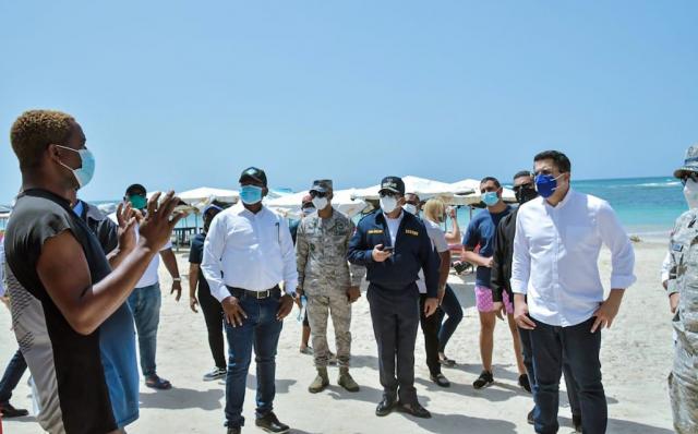 Ministro de Turismo se reúne con autoridades y representantes de Boca Chica, Guayacanes y Juan Dolio