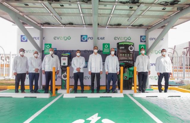 Inauguran primera estación de carga Evergo en la Torre Popular