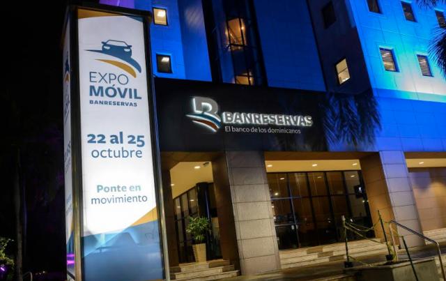 Banreservas anuncia financiará vehículos híbridos y eléctricos en Expomóvil 2020