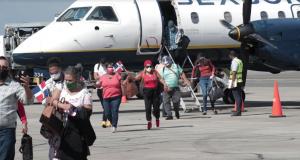135 vuelos arribaron este fin de semana por los aeropuertos de Santiago y Punta Cana
