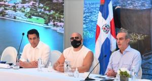 En reunión con hoteleros, presidente Abinader y Gabinete Turístico lanzan Plan de Relanzamiento de Puerto Plata
