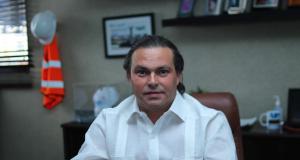 Despegar, la empresa de viajes líder en Latinoamérica, consolida su presencia en República Dominicana, como parte de su objetivo de contribuir con la reactivación y desarrollo de la industria turística en la región. En ese sentido, Despegar ha concretado una alianza estratégica con el empresario turístico local, Juan Tomas Díaz Infante, quien maneja las operadoras mayoristas y receptivas de Gray Line y Best Day, desde hace cinco años. La alianza se deriva de la adquisición de Best Day por parte de Despegar, concretada en octubre de 2020 y que representa un activo clave, dada su fuerte presencia en el mercado mexicano y caribeño. Best Day opera un modelo de negocio multiplataforma. Además de su negocio al consumidor, a través de su plataforma en línea, centros de llamadas y aproximadamente 190 quioscos en plazas comerciales, la compañía ofrece transporte terrestre, tours y actividades en los principales destinos de México y República Dominicana. De esta forma, los viajeros latinoamericanos tendrán acceso al contenido de viaje más amplio de la región. Las palancas competitivas únicas de Despegar, con una base de más de 18 millones de clientes en la región y el conocimiento profundo del turista latinoamericano, gracias al uso de tecnología y la innovación, combinadas con la experiencia y asociaciones del empresario Díaz Infante en el mercado dominicano, fortalecen aún más la propuesta de valor conjunta, de cara a los viajeros. Acerca de Despegar.com Despegar es la empresa de viajes líder en Latinoamérica. Con 21 años en el mercado, opera en 20 países de la región acompañando a los latinoamericanos desde el momento en que sueñan con viajar hasta cuando están compartiendo recuerdos. Gracias a la fuerte apuesta por el desarrollo tecnológico, Despegar ofrece una experiencia personalizada para más de 18 millones de clientes.