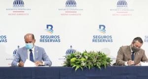 Ministerio de Medio Ambiente y Seguros Reservas firman acuerdo de colaboración