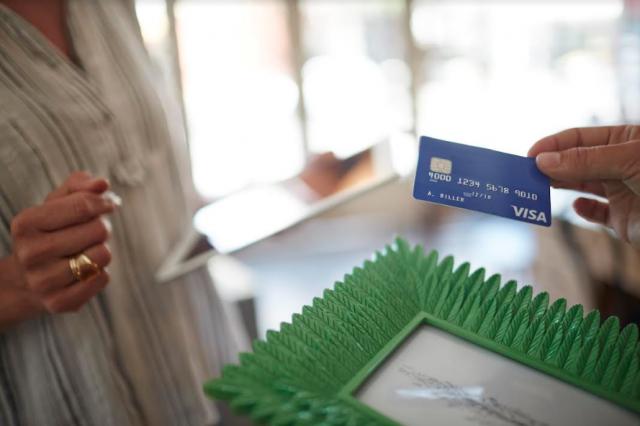 Visa se asocia para potenciar el comercio digital